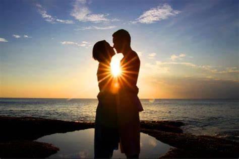 La poesia del giorno: Segui l'amore di Khalil Gibran