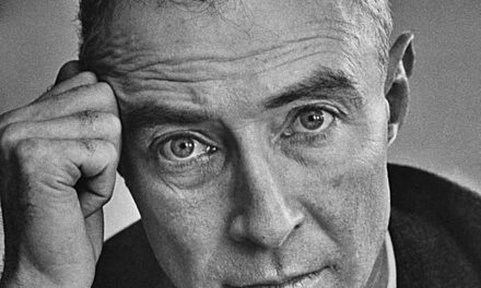 Il 22 aprile del 1904 nasceva a New York,Julius Robert Oppenheimer