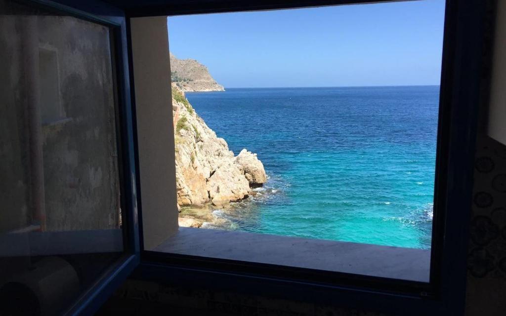 La finestra sul mare di Domenico Intini