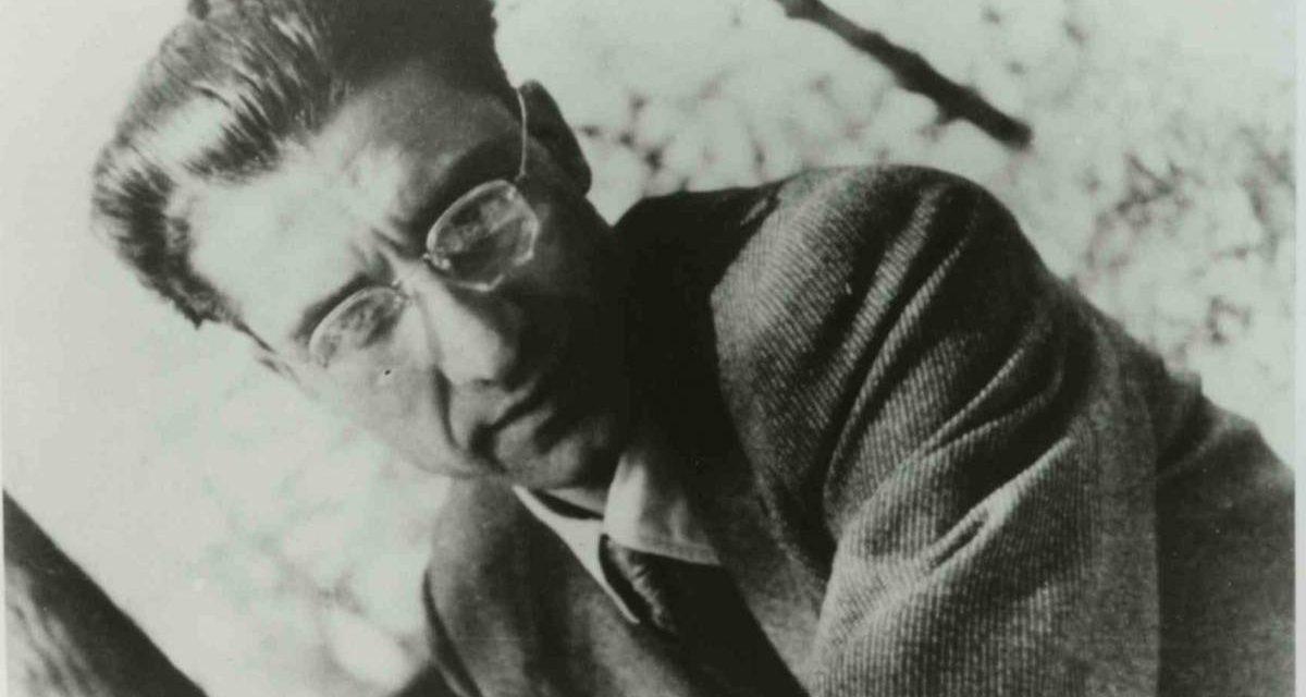 La poesia del giorno: Lavorare stanca di Cesare Pavese